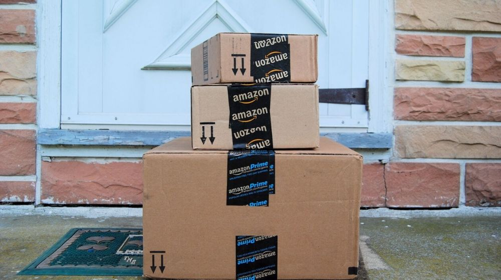 Amazon packages | Colorado Mom Puts Trash in Decoy Packages for Holiday Porch Pirates | Featured