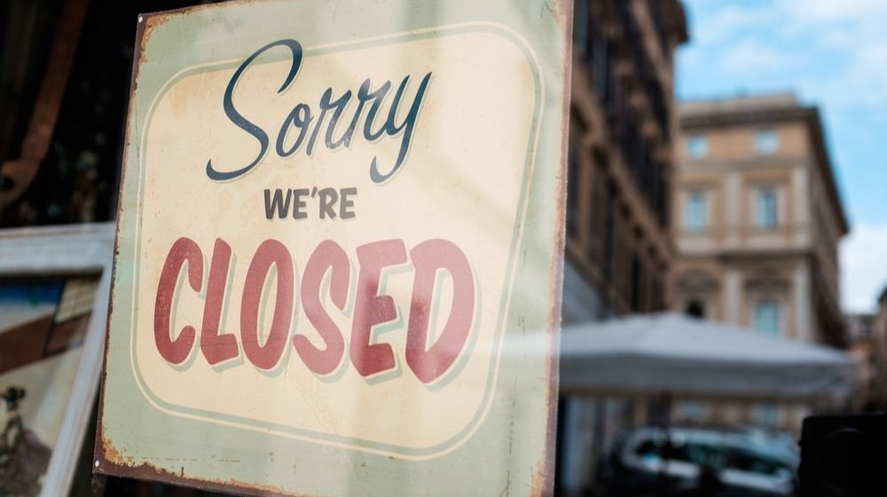 SORRY WE'RE CLOSED Shop Window Door Sign Board | Colder Weather Becomes a Threat to U.S. Restaurants Amid Pandemic | Featured
