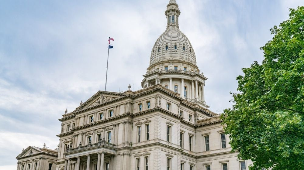 Exterior of the Michigan State Capitol Building in Lansing | Militias Form to Kidnap Radical Left-Wing Governors 'Violating the US Constitution' | Featured