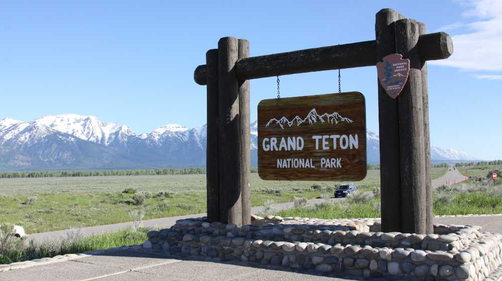Sign of Grand Teton National Park, Wyoming  Autopsy Shows Gabby Petito Strangled to Death   featured